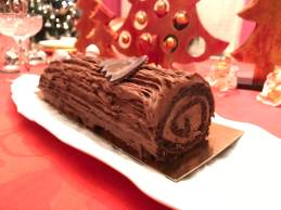 Chocolatey Buche de Noel (Paul)