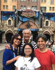 Grandparents, Younger Daughter & I: Halloween at Disneysea