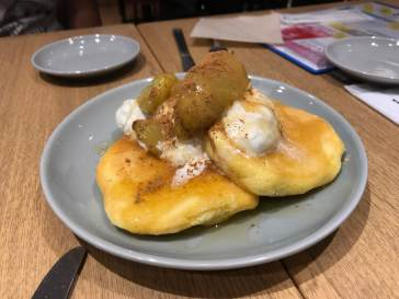 Apple Cinnamon Souffle Pancake: Village Vanguard Diner